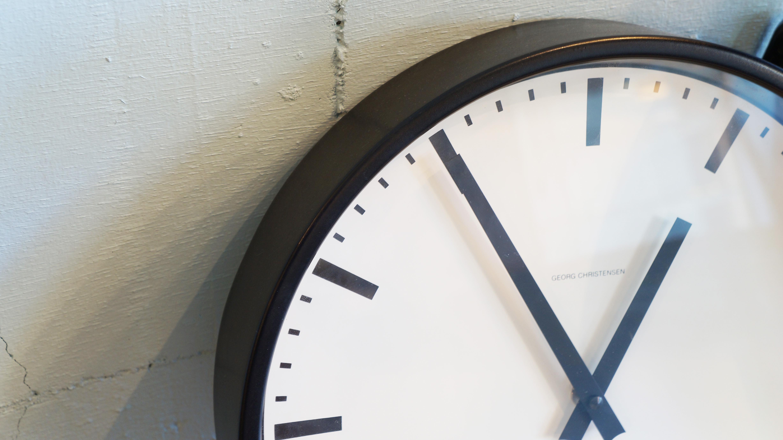 GEORGE CHRISTENSEN STATION CLOCK design by Vilhelm Lauritzen / ゲオルグクリステンセン ステーションクロック ヴィルヘルム・ラウリッツェン デザイン 掛時計