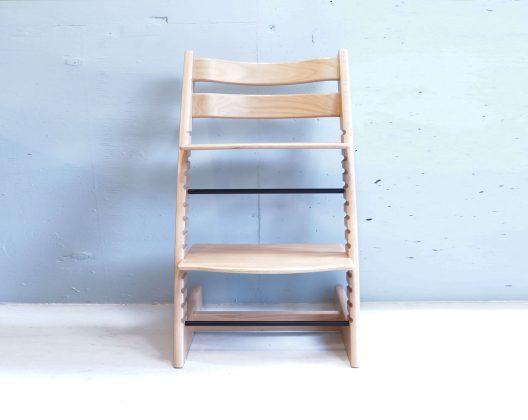 """ノルウェー生まれのベビー用品ブランド「ストッケ」小さな子供が家族一緒のテーブルで快適に過ごせる、""""人間工学""""に基づいたデザインで世界中で愛されており、子供とともに成長する椅子として、誕生後すぐから大人になってからも快適に座れます。耐重量は最大で80kg。子供から大人までご使用いただけるこちらのトリップトラップ、お探しだった方は、是非この機会にいかがでしょうか。~【東京都杉並区阿佐ヶ谷北アンティークショップ 古一/ZACK高円寺店】 古一では出張無料買取も行っております。杉並区周辺はもちろん、世田谷区・目黒区・武蔵野市・新宿区等の東京近郊のお見積もりも!ビンテージ家具・インテリア雑貨・ランプ・USED品・ リサイクルなら古一へ~,ユーズド, リサイクル,ふるいち,古市,フルイチ,used,furuichi"""