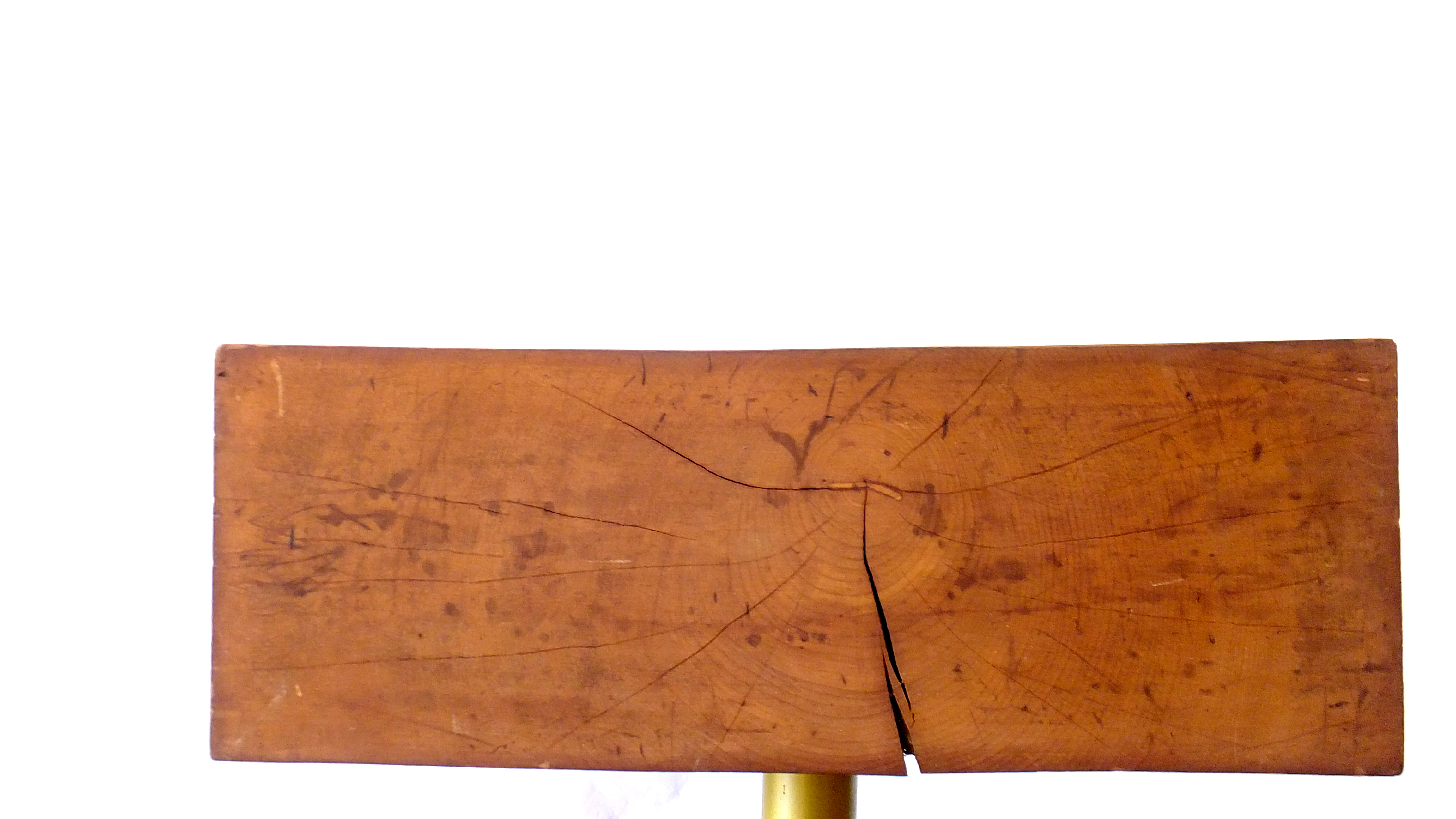 古材、廃材を組み合わせできたスツール/サイドテーブル。厚みのある木の重厚感が魅力的です。回転式の脚を付けているので、使い勝手がよくソファーの横に置く。サイドテーブルとしても活躍してくれます。現行の物では、見かけない一点ものです。ヴィンテージスタイル、インダストリアルなど様々なインテリアスタイルに相性の良いお品物です。是非この機会にいかがでしょうか。~【東京都杉並区阿佐ヶ谷北アンティークショップ 古一/ZACK高円寺店】 古一では出張無料買取も行っております。杉並区周辺はもちろん、世田谷区・目黒区・武蔵野市・新宿区等の東京近郊のお見積もりも!ビンテージ家具・インテリア雑貨・ランプ・USED品・ リサイクルなら古一へ~,ユーズド, リサイクル,ふるいち,古市,フルイチ,used,furuichi