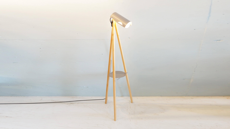 KAWAI SHOMEI TRIPOD STAND LIGHT