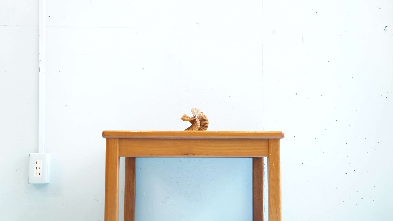 フレキシブルにご使用可能な使い勝手の良いジャパンヴィンテージのチーク材を使用したローテーブルが入荷致しました。美しいチーク材の木目とシンプルなデザインが温かみを与えてくれるテーブルです。大きすぎないサイズ感ですので、一人暮らしの方にもおすすめです。センターテーブルやサイドテーブル、様々なシチュエーションで活躍してくれるこちらのローテーブル是非いかがでしょうか。~【東京都杉並区阿佐ヶ谷北アンティークショップ 古一/ZACK高円寺店】 古一では出張無料買取も行っております。杉並区周辺はもちろん、世田谷区・目黒区・武蔵野市・新宿区等の東京近郊のお見積もりも!ビンテージ家具・インテリア雑貨・ランプ・USED品・ リサイクルなら古一へ~,ユーズド, リサイクル,ふるいち,古市,フルイチ,used,furuichi,デザイナーズ,デザイナーズ家具,