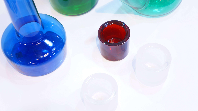 iittala × marimekko Candle Holder ≪Kivi≫ Rranberry Red & Frost / イッタラ マリメッコ コラボ キャンドル ホルダー クランベリーレッド アンド フロスト 【商品説明】 フィンランドを代表する2つのブランド、iittala(イッタラ)と marimekko(マリメッコ)のコラボレーションアイテム、 フィンランドで宝石を意味するKivi(キビ)。 ガラスを知り尽くしたiittalaだからこそ出せる美しさには 絶妙なカラーとガラスの厚みが、キャンドルの光を豊かに演出し、炎のきらめきを増幅してくれます。 またイッタラのガラス製品は、人体や環境に有害な鉛を一切使っていないので 安心してご使用いただけるのもポイントです。 優しい灯りの中、読書などもおすすめです。 是非この機会に取り入れてみていかがでしょうか。 ~【東京都杉並区阿佐ヶ谷北アンティークショップ 古一/ZACK高円寺店】 古一では出張無料買取も行っております。杉並区周辺はもちろん、世田谷区・目黒区・武蔵野市・新宿区等の東京近郊のお見積もりも!ビンテージ家具・インテリア雑貨・ランプ・USED品・ リサイクルなら古一へ~,ユーズド, リサイクル,ふるいち,古市,フルイチ,used,furuichi