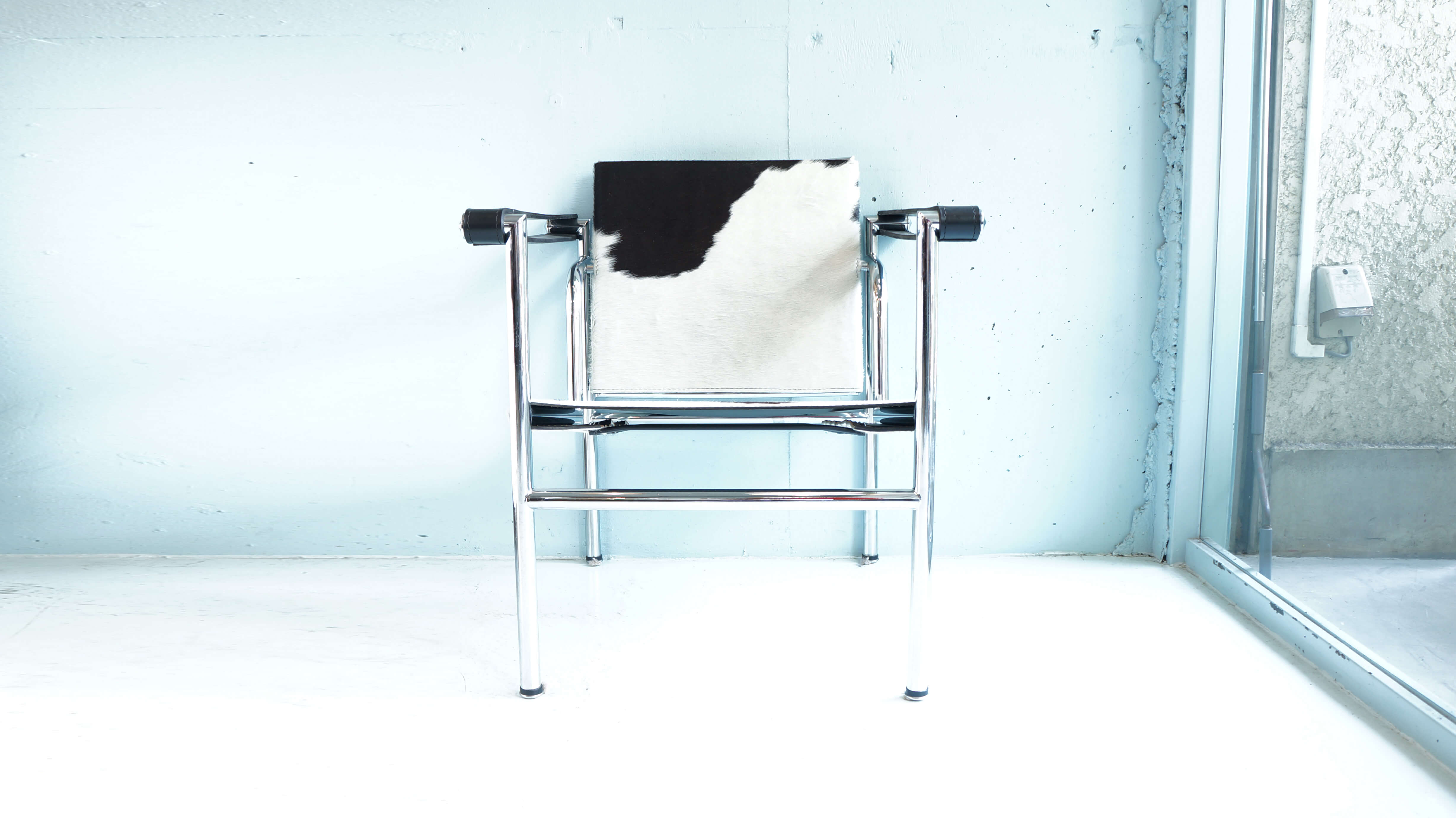 C1 Sling chair design by Le Corbusier / スリングチェア バスキュランチェア デザイナーズ