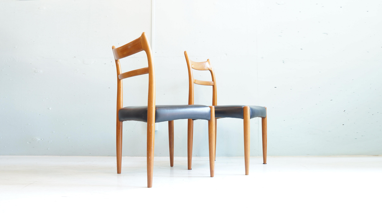 丁寧な作りで今なお中古市場で需要の高い国産家具ブランド「辻 木工」そんな辻木工の北欧モダンに通じるデザインが人気のダイニングチェアが入荷致しました。背もたれから脚への曲線が北欧家具を思わせると同時に日本家具の素朴な雰囲気を感じさせるお品物です。座面のレザーも大きなダメージはなく、ウッドフレームに使用感は御座いますがチーク材を使用しておりますので、丈夫かつヴィンテージならではの経年変化を楽しめるダイニングチェアです。北欧インテリア、和モダンインテリアに相性の良いこちらのアームチェア是非この機会にいかがでしょうか。~【東京都杉並区阿佐ヶ谷北アンティークショップ 古一/ZACK高円寺店】 古一では出張無料買取も行っております。杉並区周辺はもちろん、世田谷区・目黒区・武蔵野市・新宿区等の東京近郊のお見積もりも!ビンテージ家具・インテリア雑貨・ランプ・USED品・ リサイクルなら古一へ~,ユーズド, リサイクル,ふるいち,古市,フルイチ,used,furuichi,デザイナーズ,デザイナーズ家具,