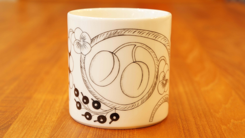 "ARABIA ""Paratiisi"" mug cup 350ml black/アラビア ""パラティッシ"" マグカップ 350ml ブラック"