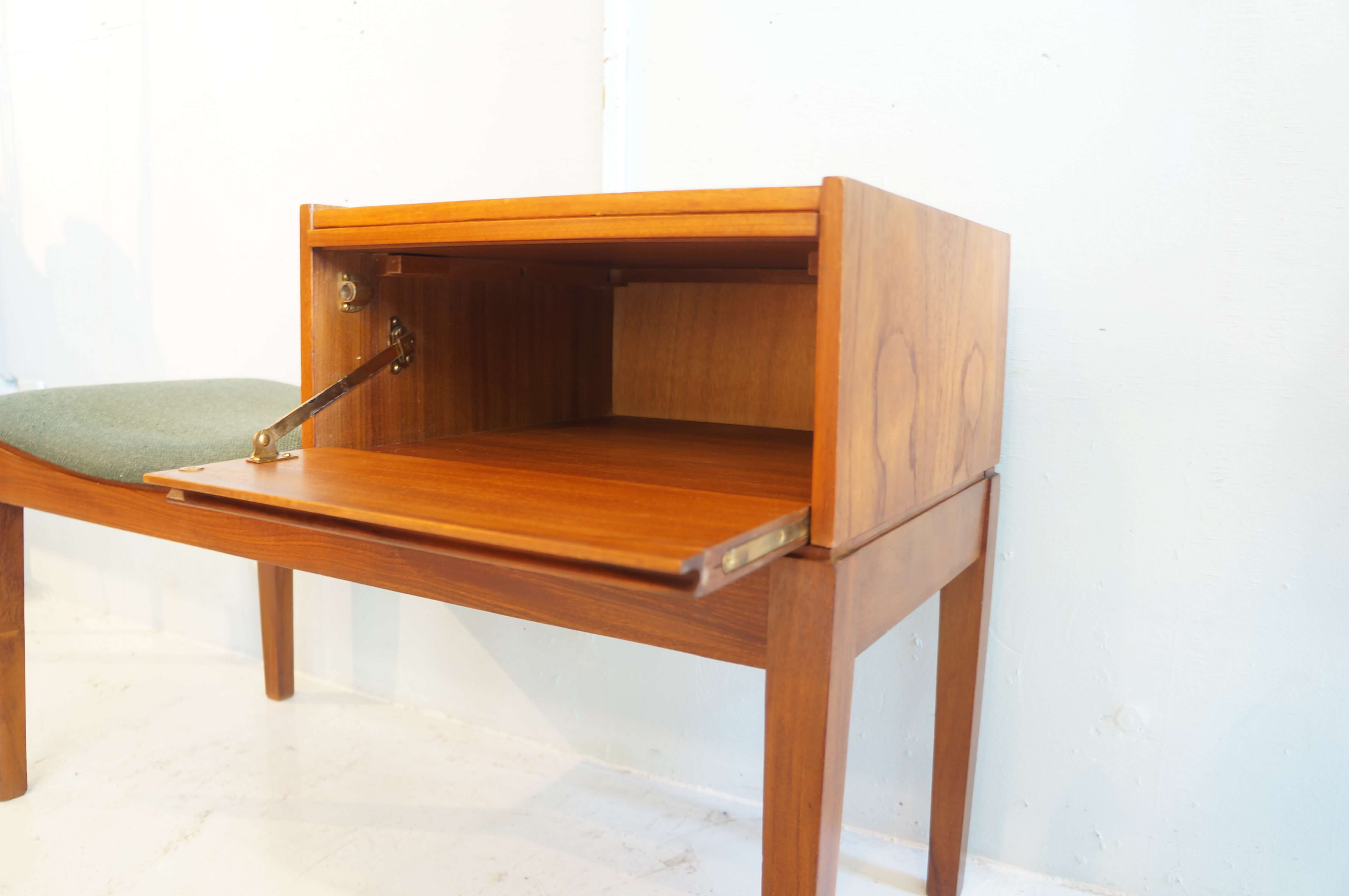 UK VINTAGE ERCOL TEAK WOOD TELEPHONE TABLE MADE by CHIPPY / イギリス ヴィンテージ アーコール チーク材 テレフォンベンチ チッピー社製造