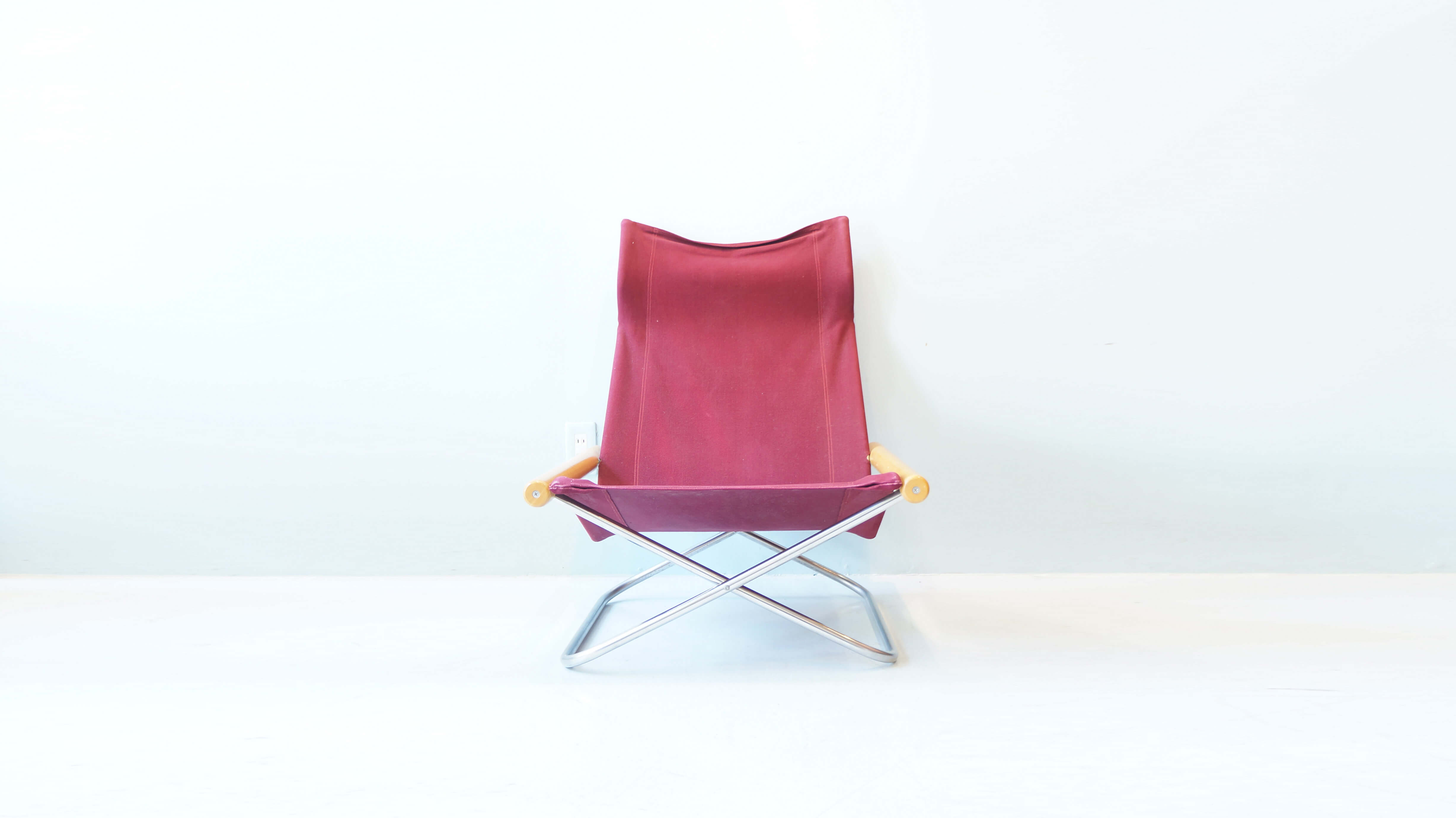 NY chair design by Nii TAKESHI Lounge Chair / ニーチェア 新居猛 デザイン ラウンジチェア