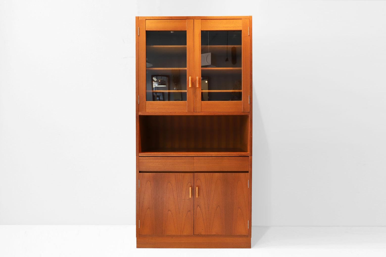 Japan Vintage Teak Wood Cup Board / ジャパン ビンテージ チーク材 食器棚のお買取をいたしました。