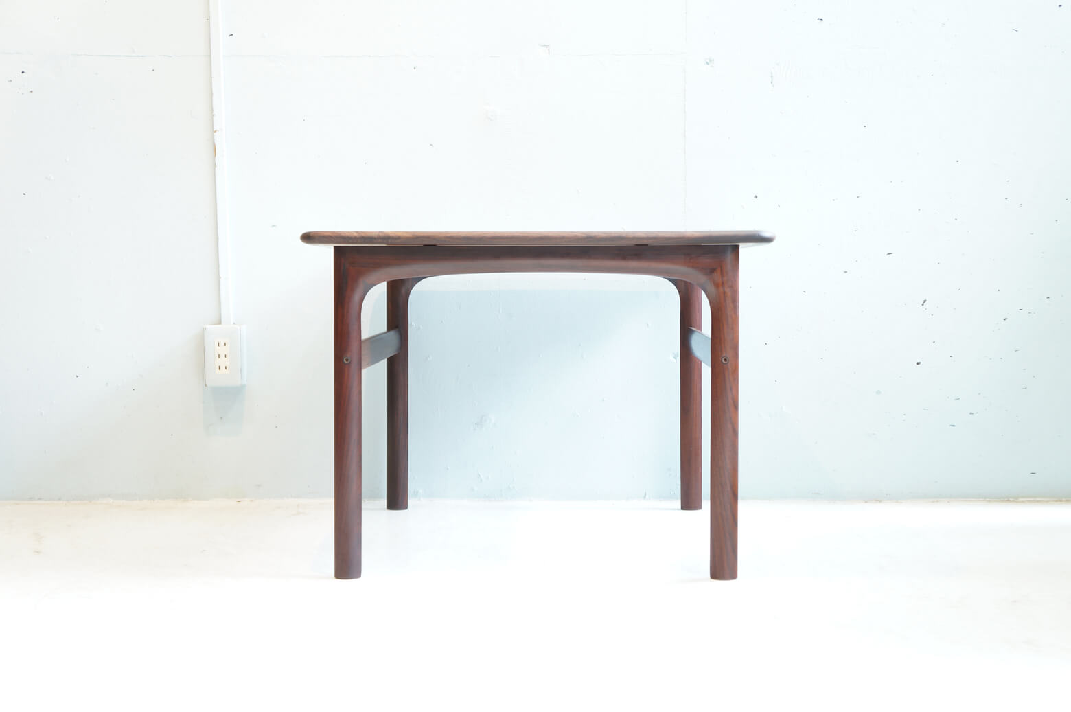 RASMUS SOLBERG CABINET MAKER WESTNOFA NORWAY ROSE WOOD COFFEE TABLE DESIGN BY ARNE HALVORSEN / ノルウェー ビンテージ ローズウッド コーヒーテーブル