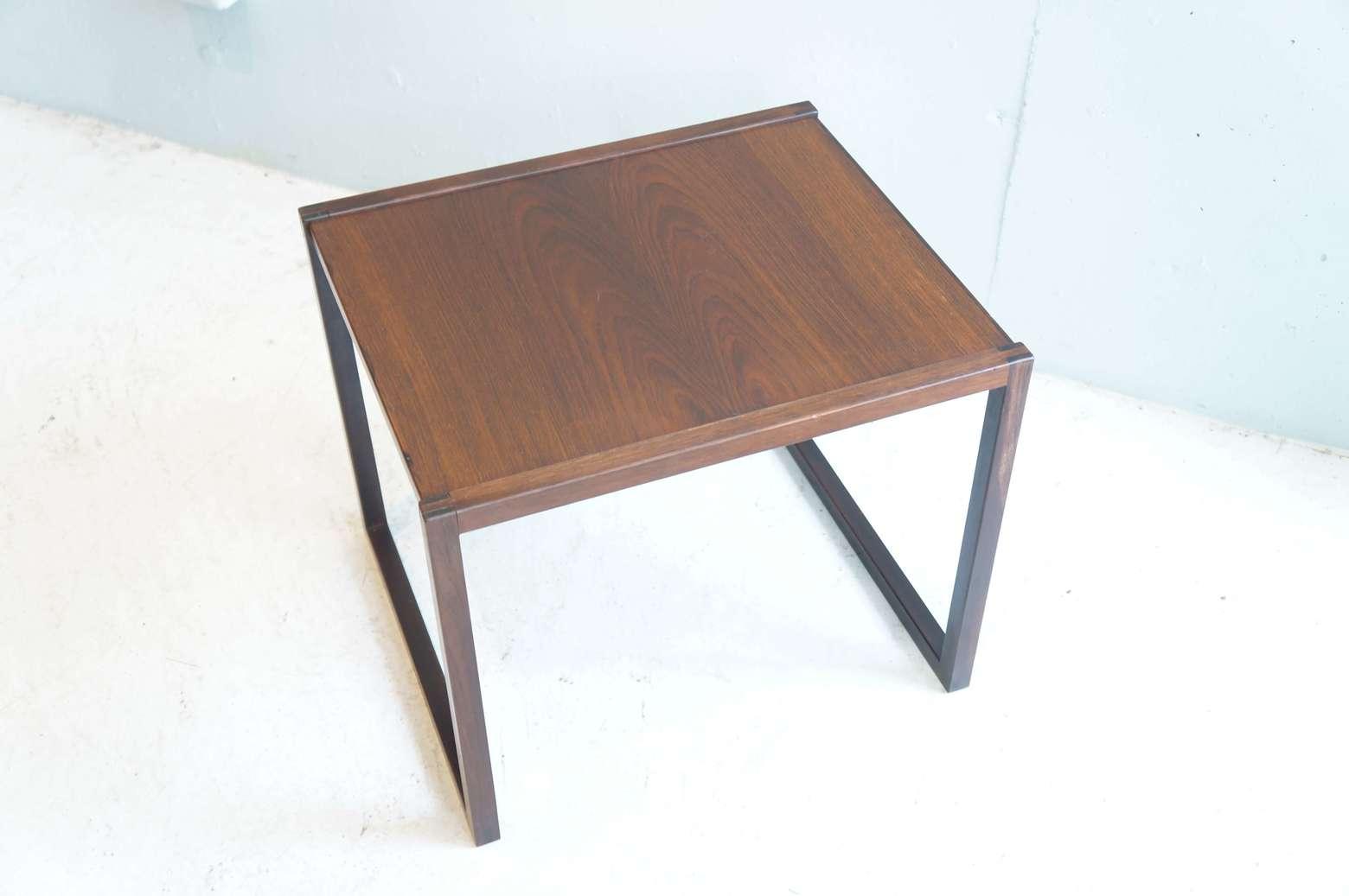 VILDBJERG MØBELFABRIK DESIGN BY KAI KRISTIANSEN ROSE WOOD NESTING TABLE ONE PIECE / カイ クリスチャンセン デザイン ネストテーブルのお買取をいたしました。