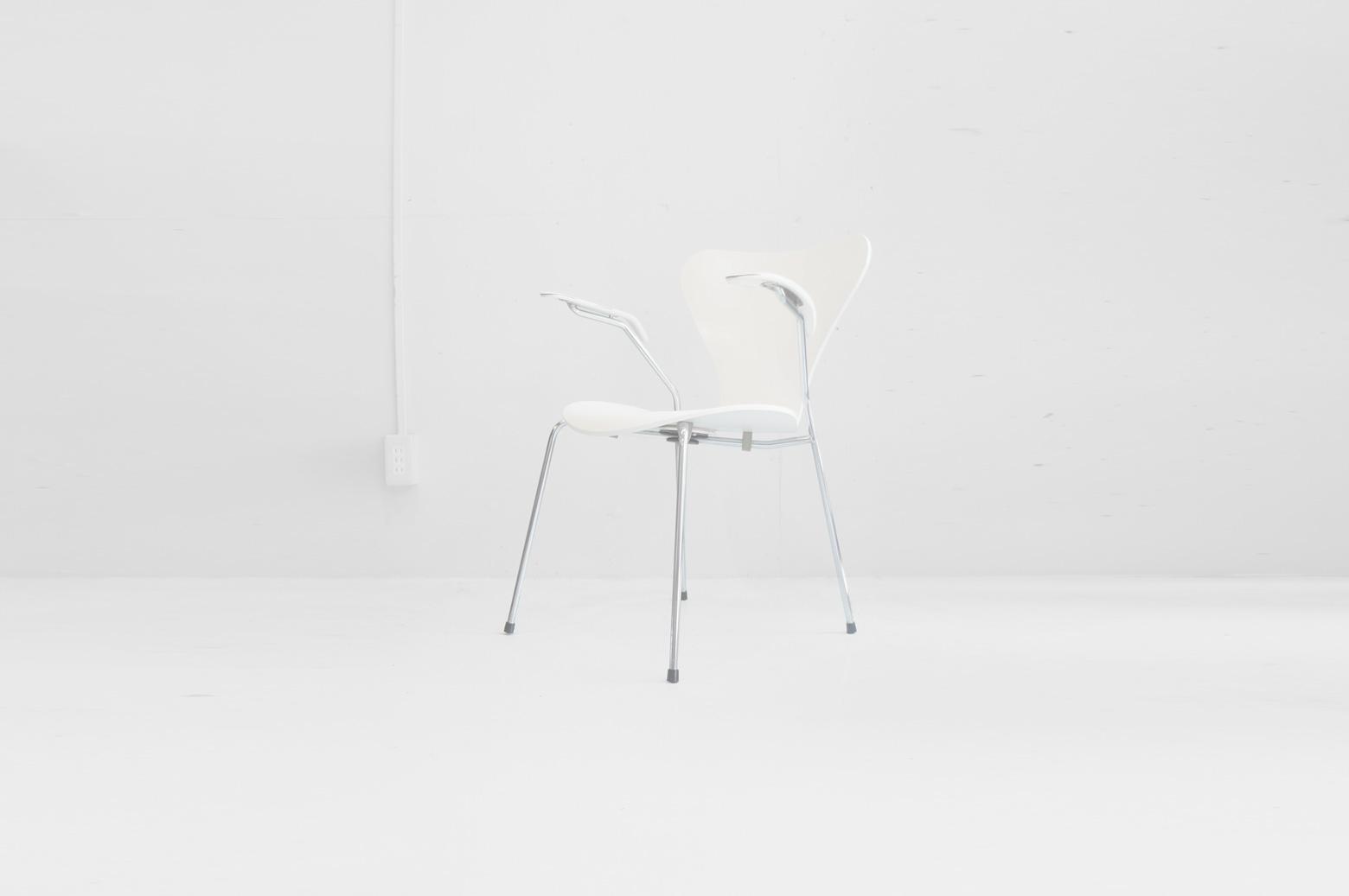 Fritz Hansen Series7 Armchair White/フリッツハンセン セブンチェア アーム付き ホワイト 2