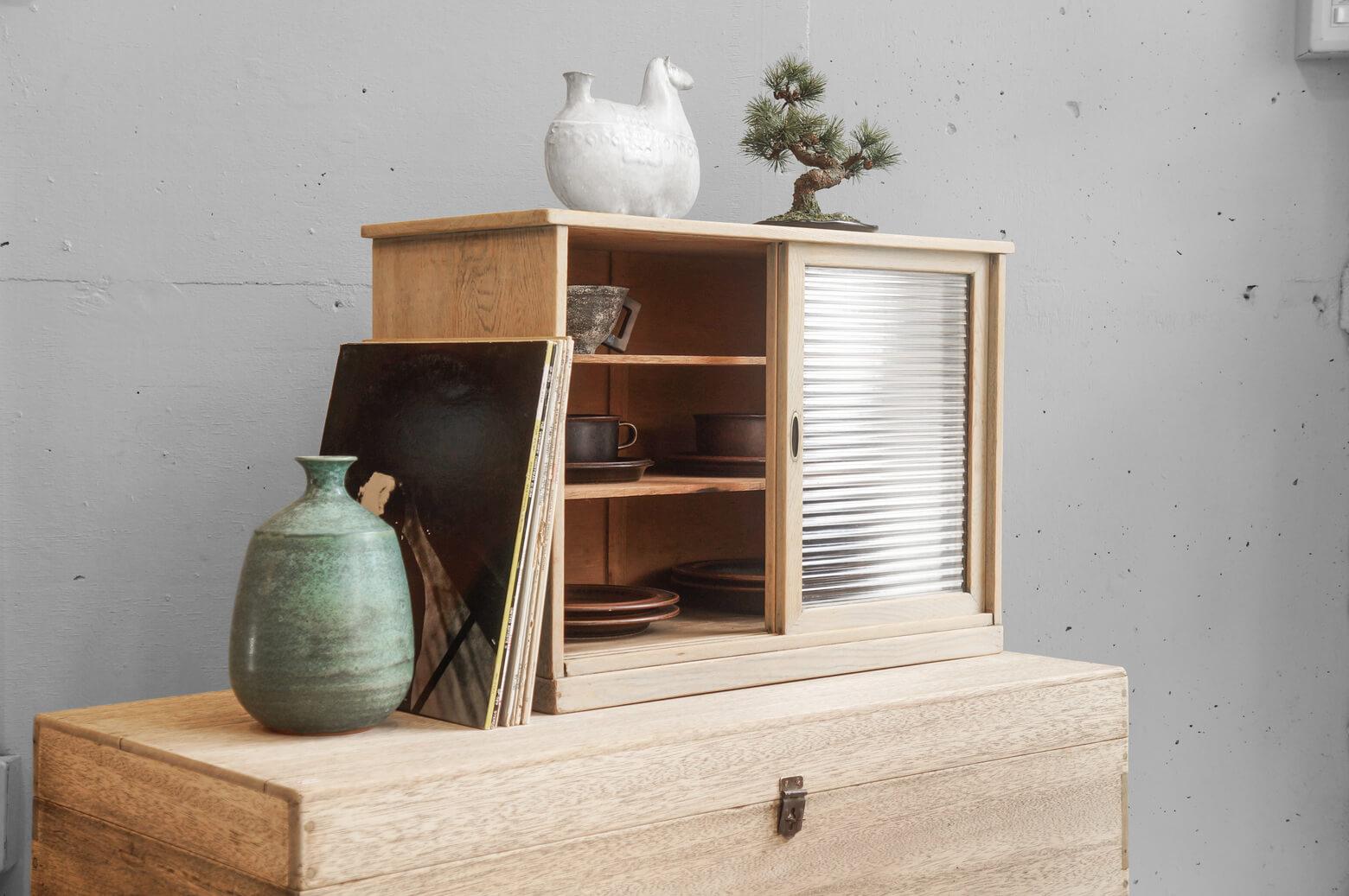 Retro Glass Shelf/レトロ ガラス 戸棚