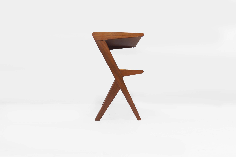 UK VINTAGE SIDE TABLE MIDCENTURY DESIGN