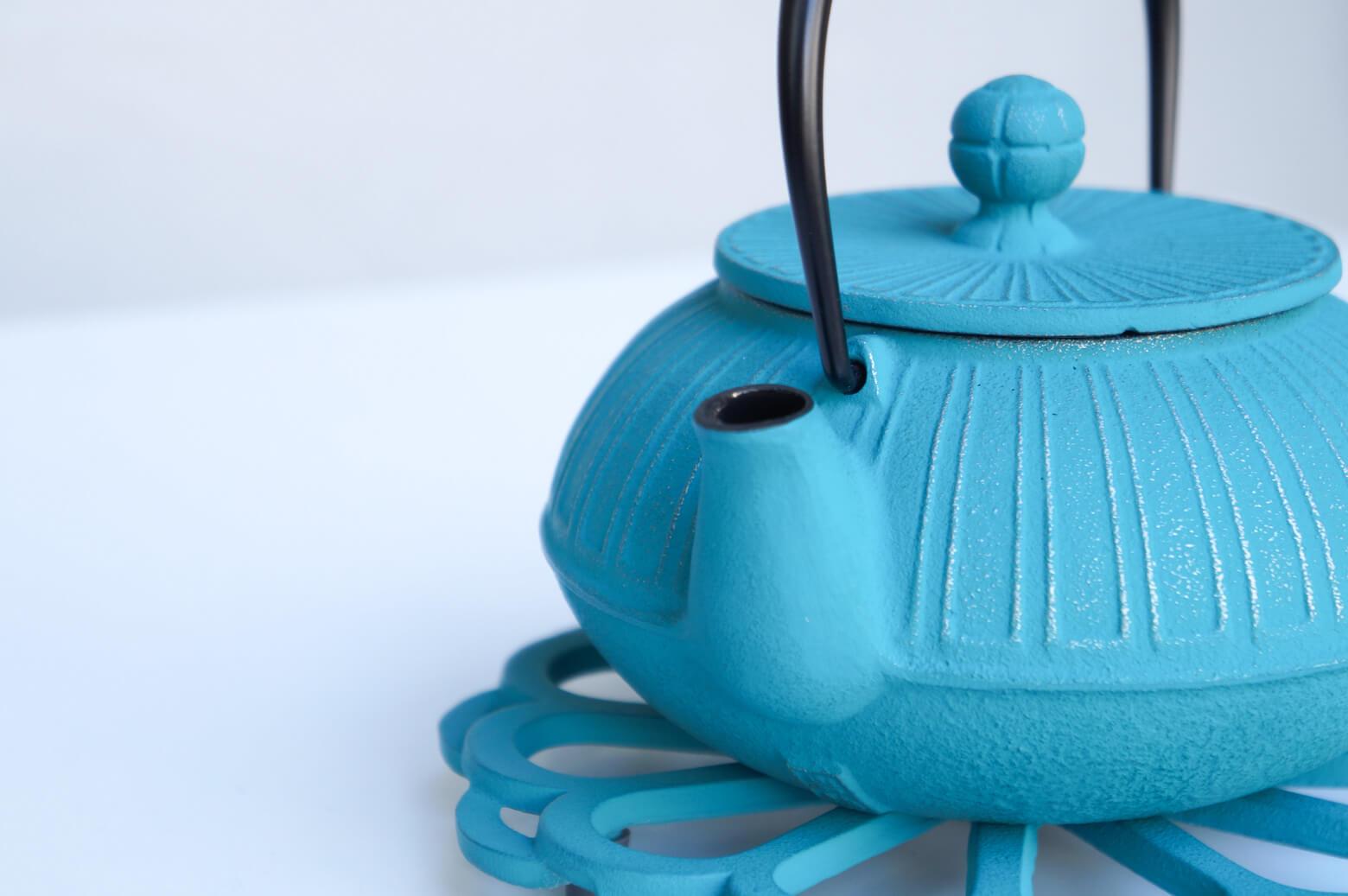 Enchan Thé Théière En Fonte Socles En Fonte Kiku No.5 Turquoise/アンシャンテ 南部鉄器 カラーポットセット キク ターコイズ