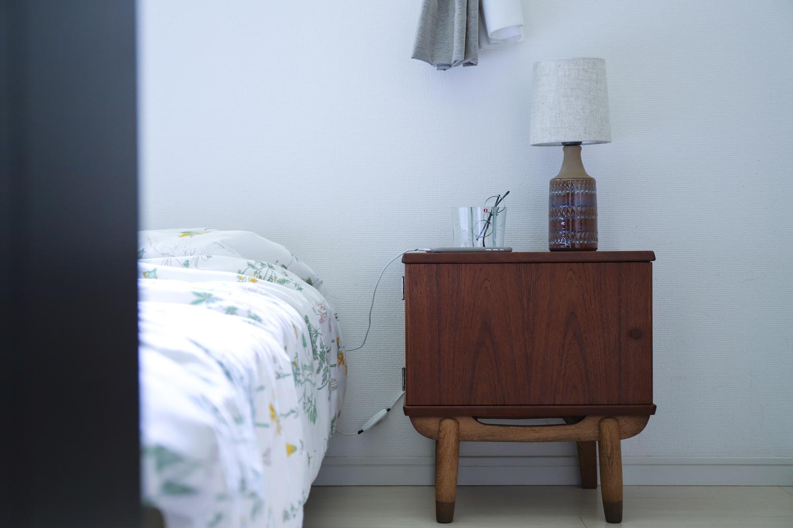 北欧 ヴィンテージ サイド チェスト テーブル / Scandinavia Vintage Side Cabinet