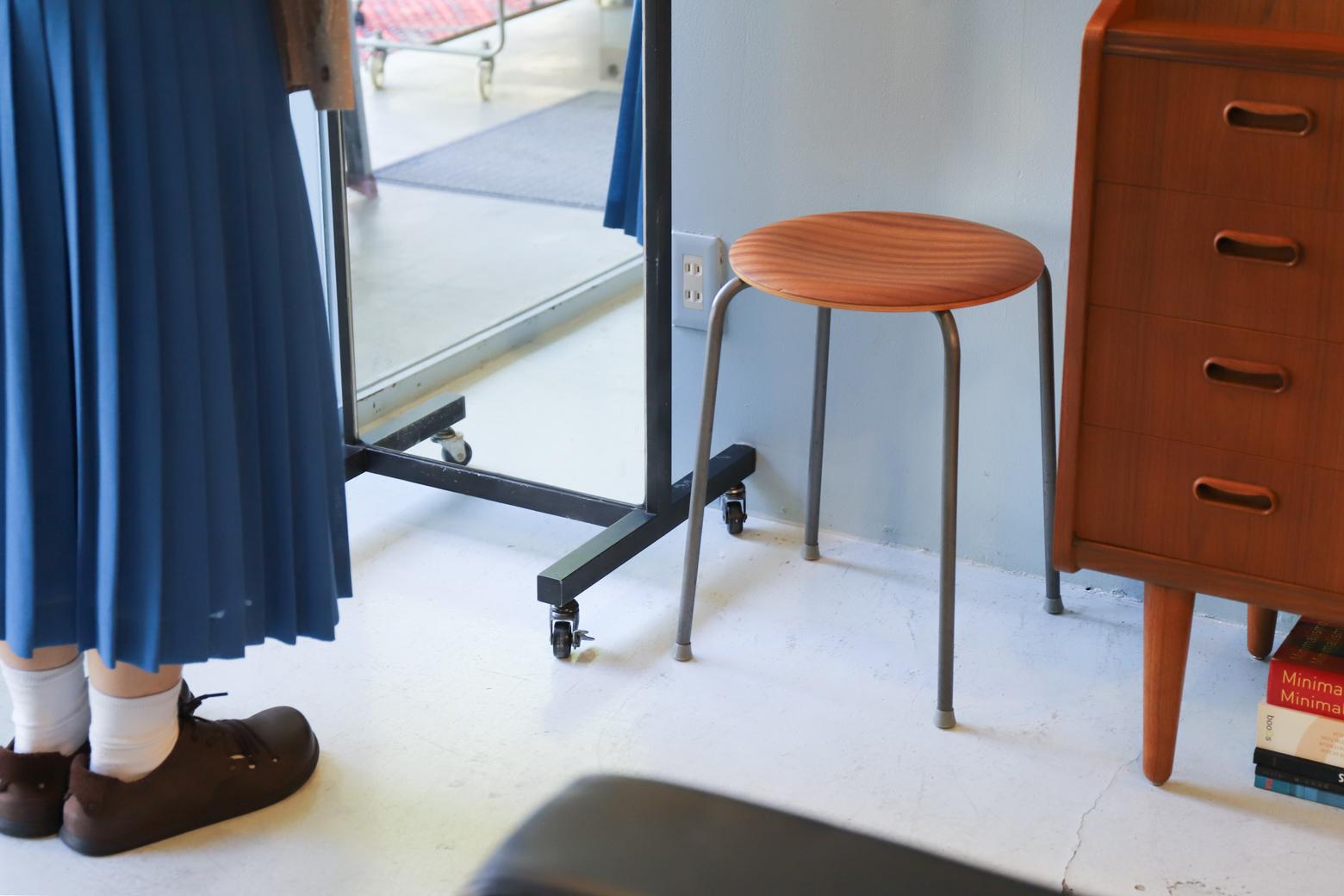 スタンドミラー 鏡 姿見 インダストリアルデザイン 什器/Stand Mirror Industrial Design