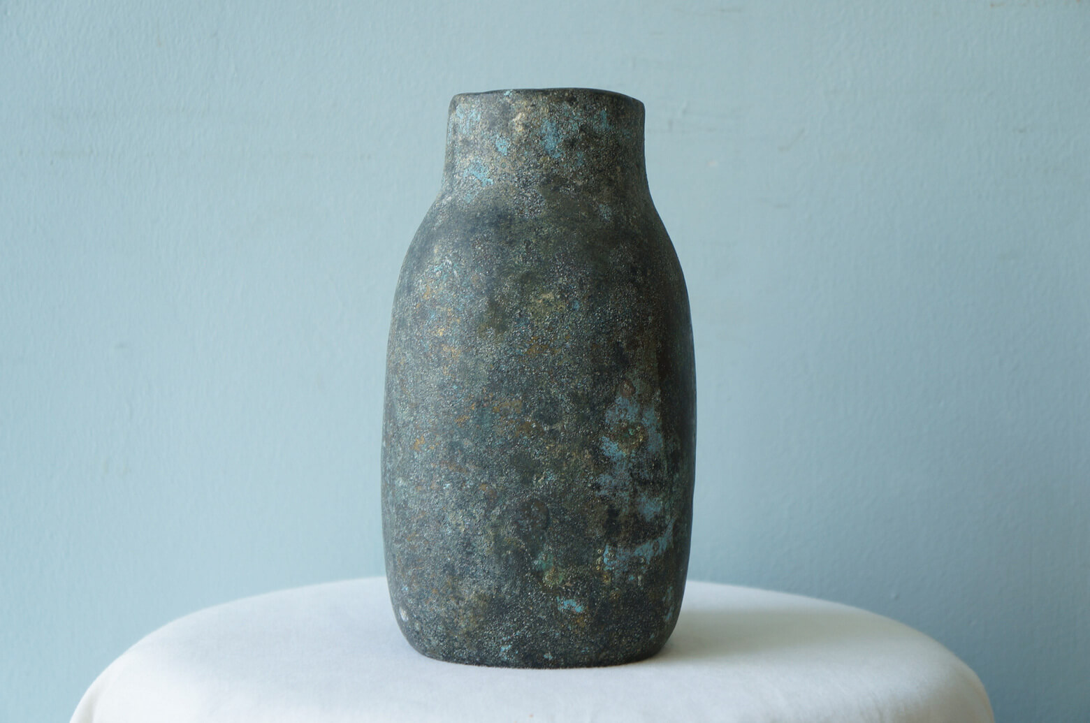 """Nishi Daiyu Bronze Casting Flower Vase/西大由 青銅 鋳造 花器 """"百寿"""" ブロンズ 彫刻 インテリア"""