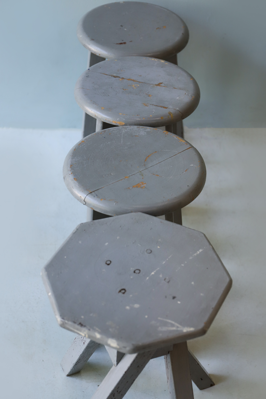 Vintage Atelier Stool Painted Gray/ヴィンテージ アトリエスツール 丸椅子 グレーペイント シャビーシック