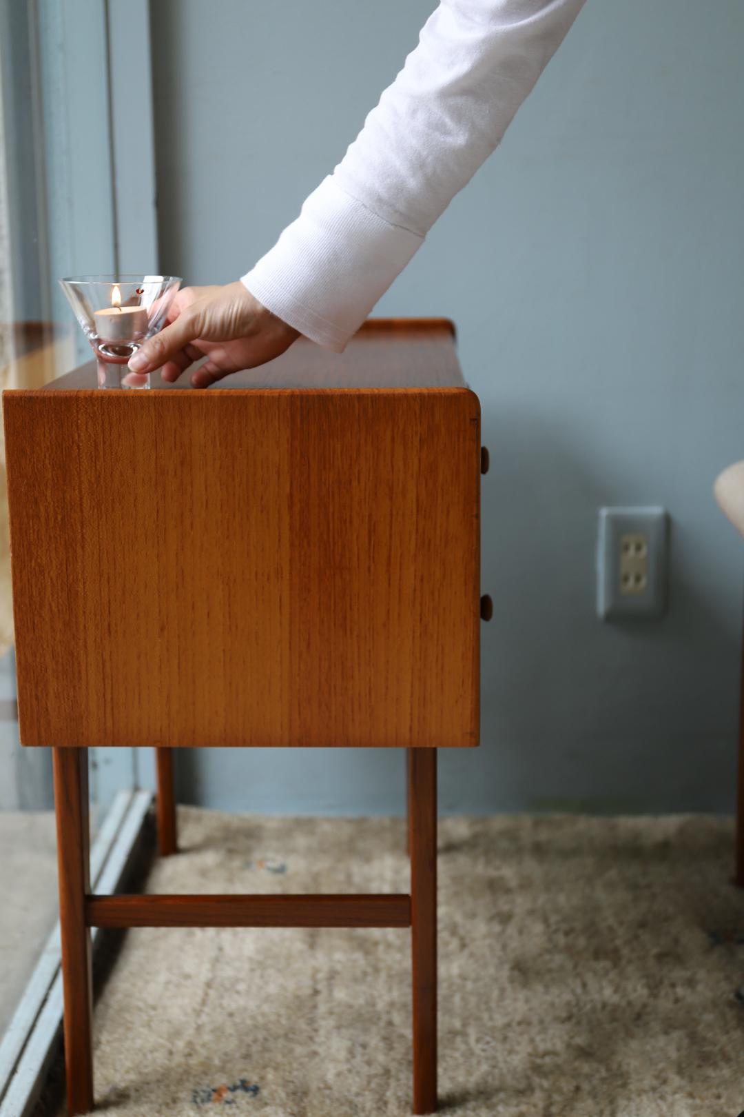 Danish Vintage 2 Drawer Side Chest/デンマーク ヴィンテージ サイドチェスト サイドテーブル チーク材 収納 北欧家具