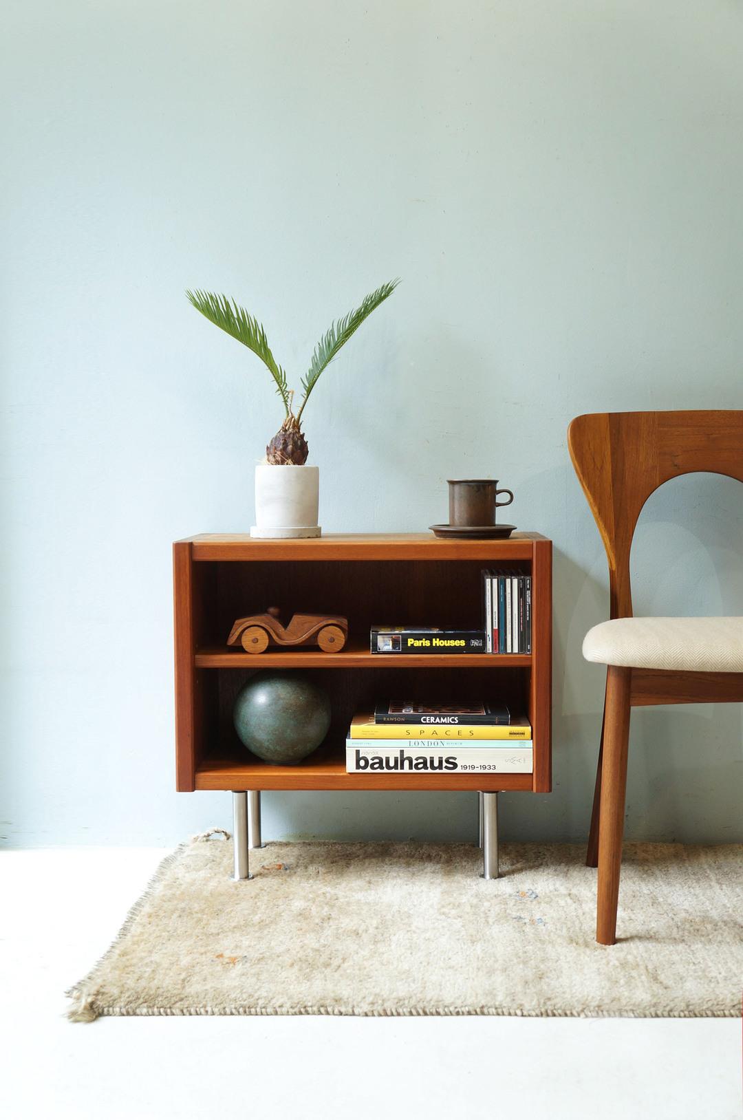 Japanese Vintage Teakwood Small Sideboard/ジャパンヴィンテージ スモールサイドボード テレビボード チーク材 北欧モダンデザイン 小