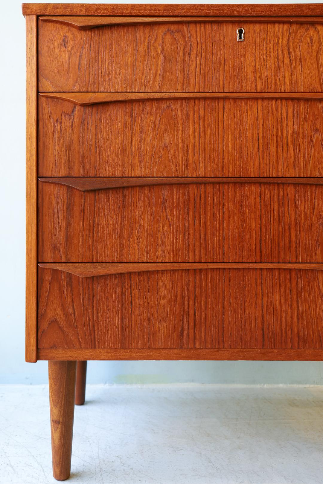 Danish Vintage Teakwood Chest 4Drawers/デンマークヴィンテージ チェスト 4段 チーク材 収納 北欧家具 シンプルモダン