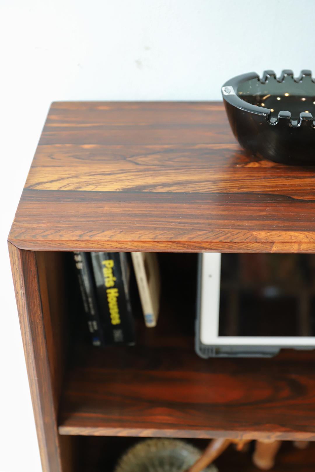 Danish Vintage Rosewood Slim Bookcase/デンマークヴィンテージ ブックケース 本棚 シェルフ ローズウッド 収納 シンプルモダン 北欧家具